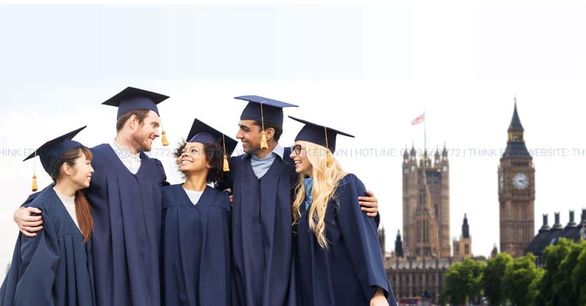 Du học sinh quốc tế được ở lại Anh 2 năm sau khi tốt nghiệp